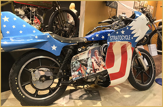 Evel Knievel S Viva Knievel Bike Heads To Auction: Evel Knievel On Cycle Jumpers